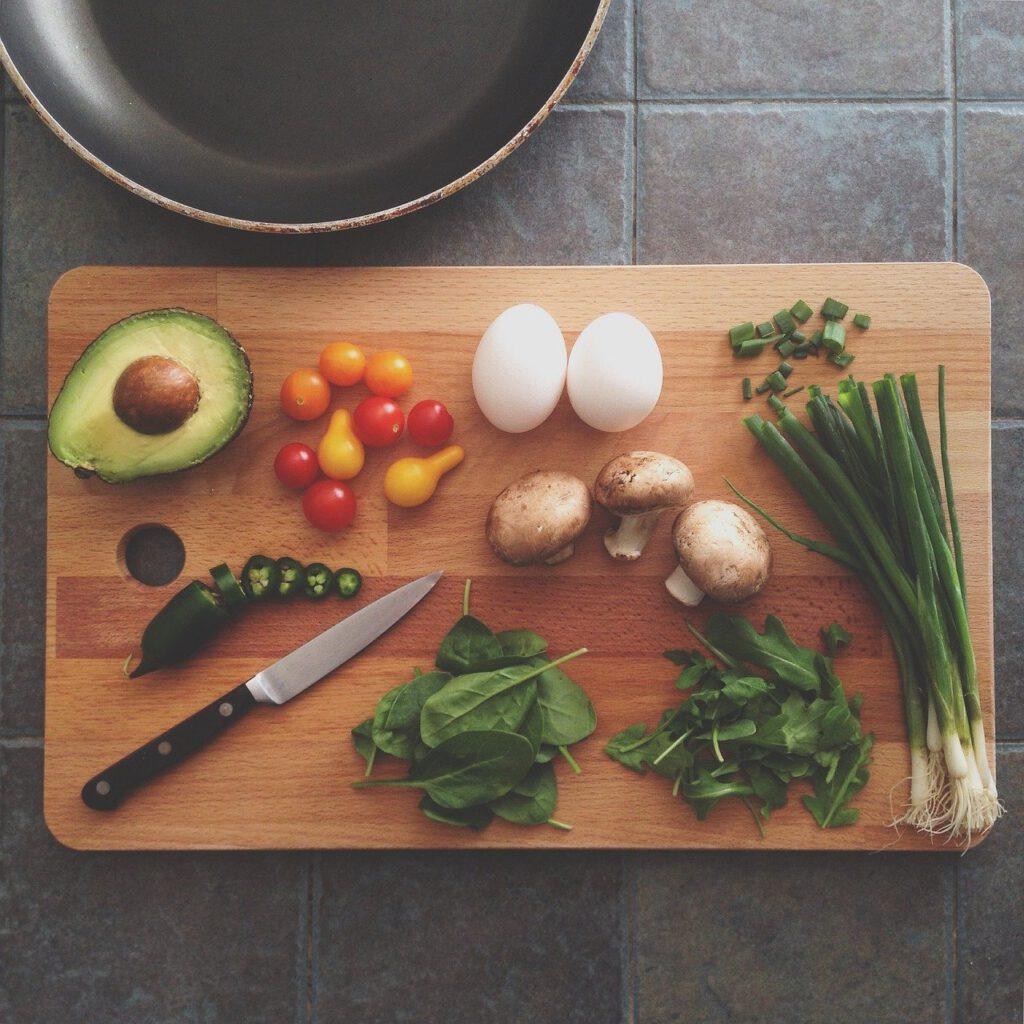 avocado, chopping board, ingredients-1838785.jpg